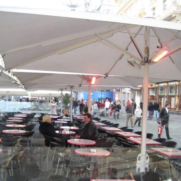 Heliosa 11 under an umbrella